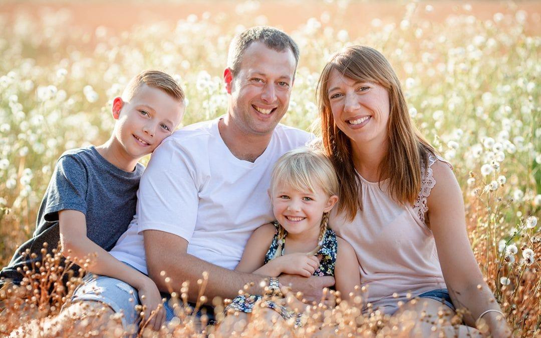 Outdoor family photo shoot in Cambridge