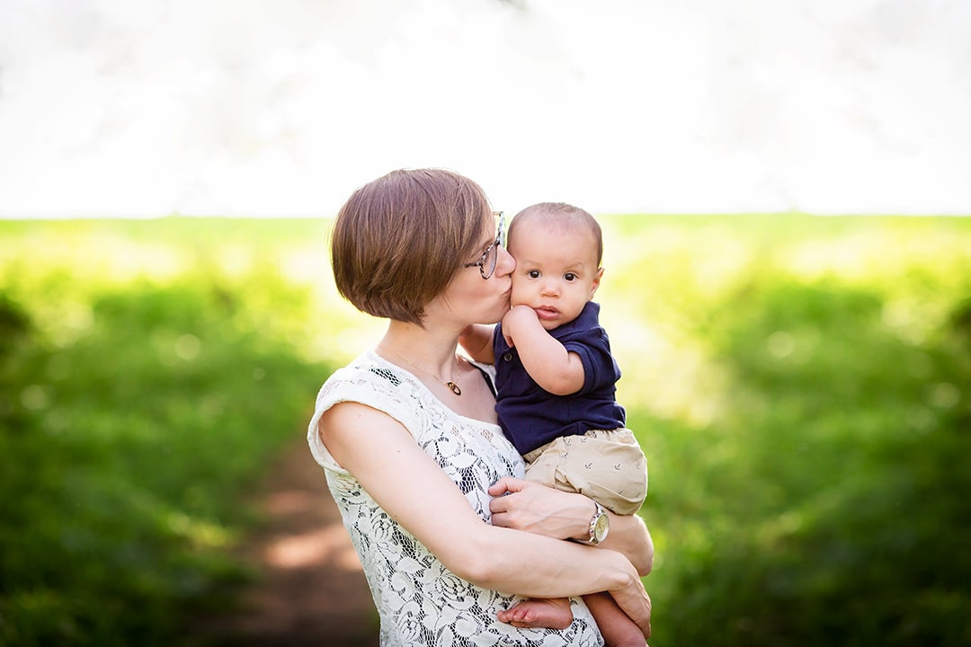 spring family mini sessions in cambridge
