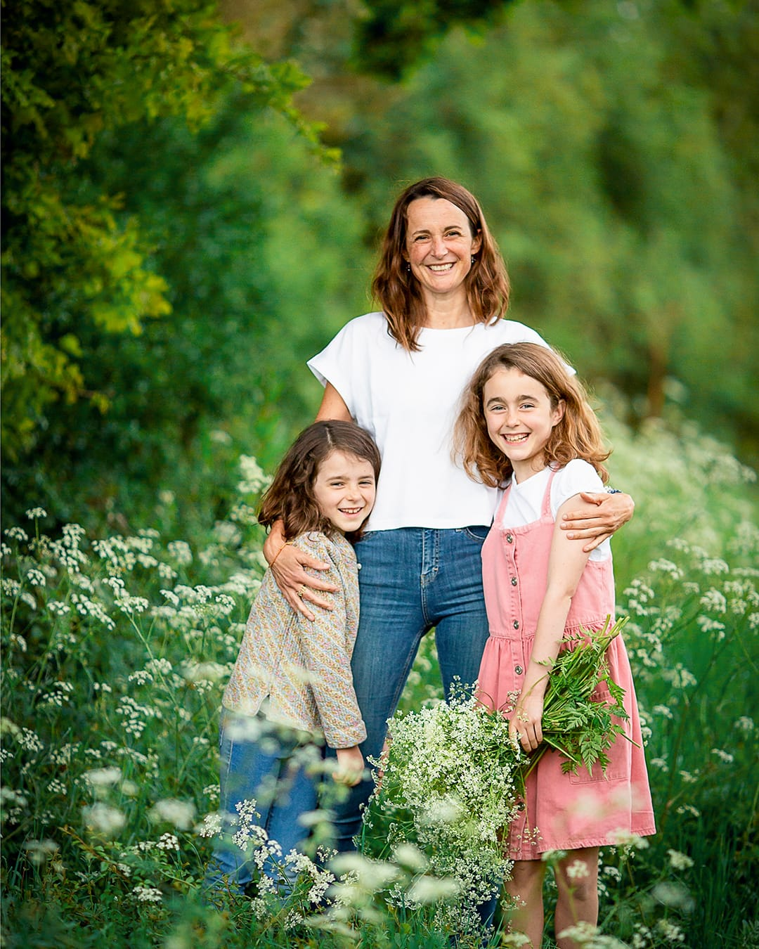 family in cow parsley